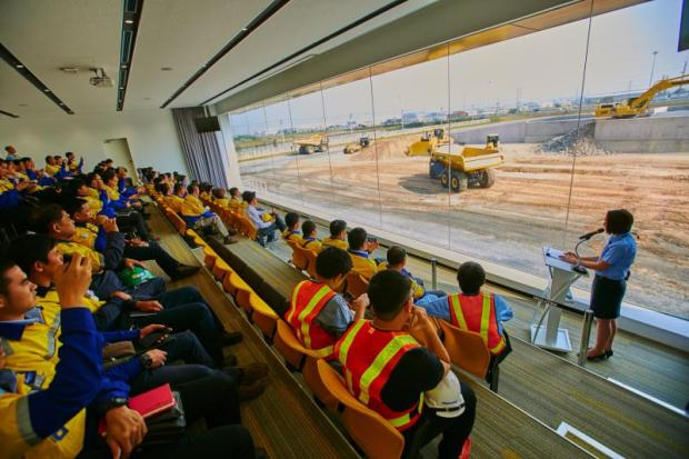 Komatsu's Asia Training and Demonstration Center in Bang Pakong, Chachoengsao aims to cultivate skilled personnel who can serve the needs of Thailand's rapidly growing heavy industry.