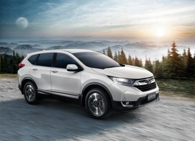Honda Automobile Thailand yesterday rolled out the fifth-generation Honda CR-V for the Thai market, equipped with a 1.6L i-DTEC diesel turbo engine.