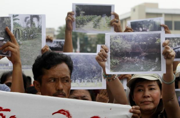Residents of Nakhon Ratchasima province protested last year against the Bang Pa-in-Nakhon Ratchasima motorway project, fearing destruction of their farmland. THANARAK KHUNTON