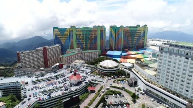 The colourful First World Hotel overlooks the expanding facilities at Resorts World Genting in Malaysia. Photo courtesy of Resorts World Genting