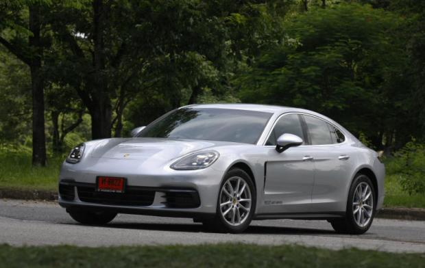 The Panamera Could Be Considered As Weakest Link In Porsche S Model Lineup No It Wasn T A Bad Car Fact Four Door From Weissach Has Created