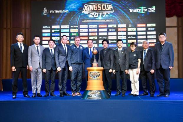 FAT president Somyot Poompunmuang, centre, and Thailand coach Milovan Rajevac, third left, at yesterday's press conference. PR