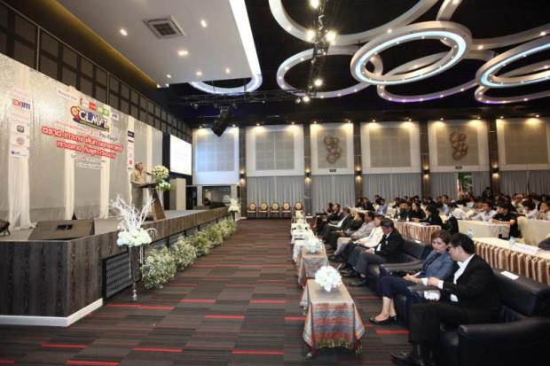Trat governor Charnna Iamsang opens the cross-border trade seminar, 'Strategic Trat-Koh Kong Route to Penetrate Cambodia and Vietnam Markets'. (Photo by Prakrit Chanthawong)
