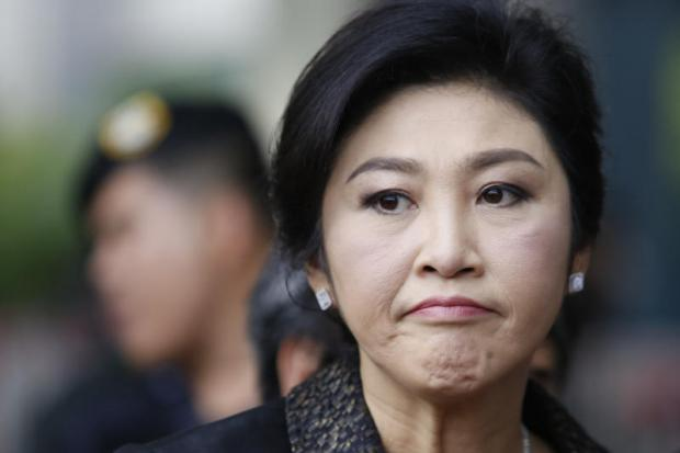 Local stock analysts are playing down the effect of tomorrow's ruling on former prime minister Yingluck Shinawatra. WICHAN CHAROENKIATPAKUL