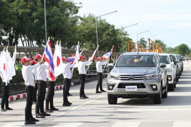 Toyota Motor Thailand celebrated the first Hilux exports to Japan at the Banpho plant in Chachoengsao.