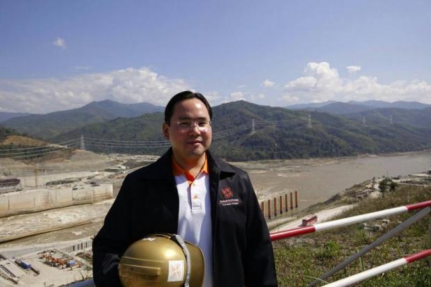 Mr Thanawat visiting the Xayaburi hydropower plant in Laos.