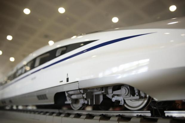 A model of the fastest Chinese-made train, the CRH380A, was on display at the Airport Rail Link's Makkasan station last week.PATIPAT JANTHONG