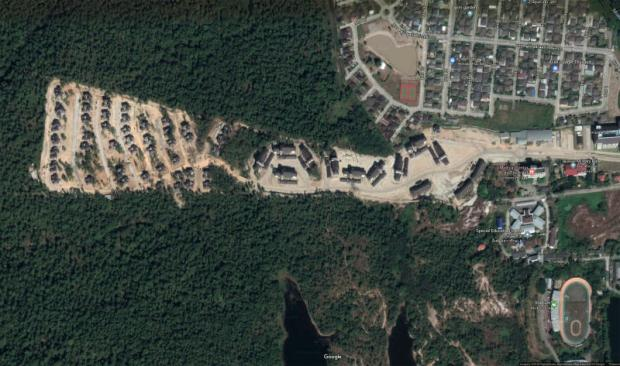 An image from Google Maps shows the judges' housing complex at the foot of Doi Suthep National Park.PHOTO by GOOGLE MAPS