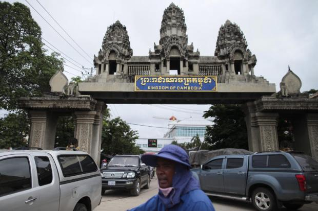 Among ACMECS members, only Thailand and Cambodia issue multiple-entry visas. Patipat Janthong