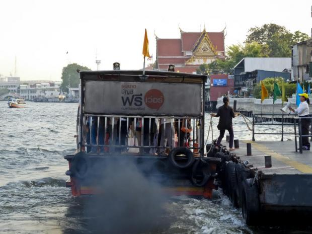 The Marine Department is going to give facelifts to old ferry piers along a 35km stretch of the Chao Phraya River in Bangkok. It will start with three piers on Sathon, Ratchawong and Tha Din Daeng.(Photos by Krit Promsaka na Sakolnakorn)