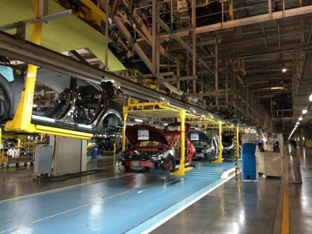 Mazda's assembly production for Mazda 2 eco-car at AutoAlliance Thailand in Rayong. (Photo by Piyachart Maikaew)