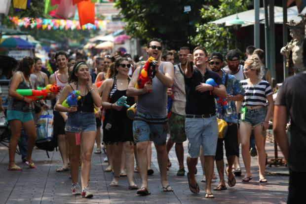 The Tourism and Sports Ministry expects a surge in foreign arrivals in April for Songkran. (Photo by Pattanapong Hirunard)