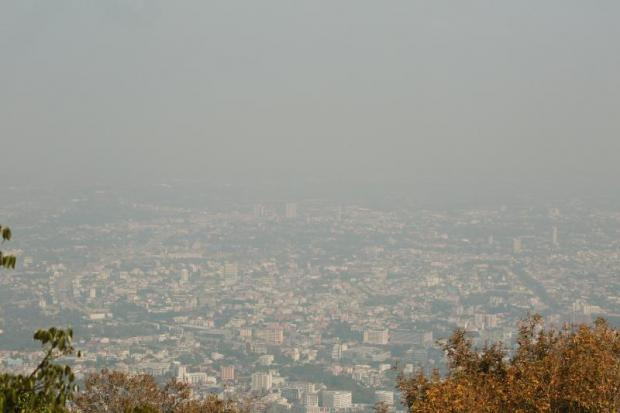 Haze covers part of Chiang Mai city. Several northern provinces are expecting 60% hotel occupancy for Songkran. (Photo by Nattapol Lovakij)