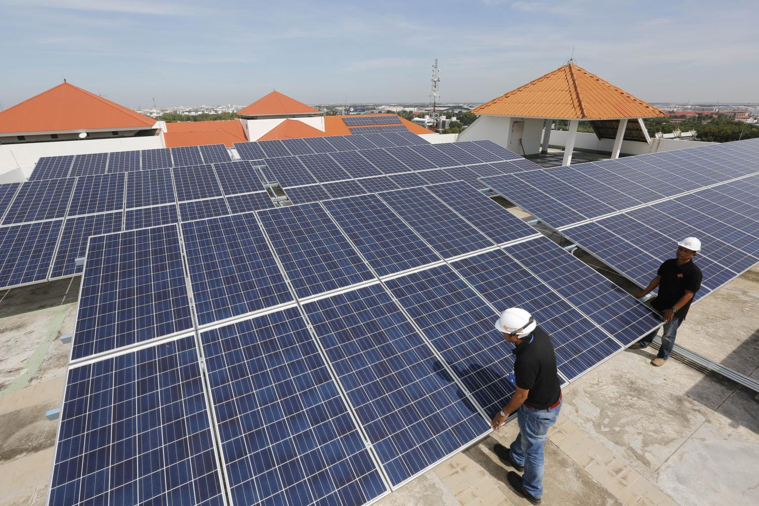 Grid or no grid, firms keen on renewables