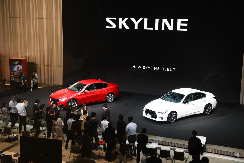 Nissan debuts autonomous sports car