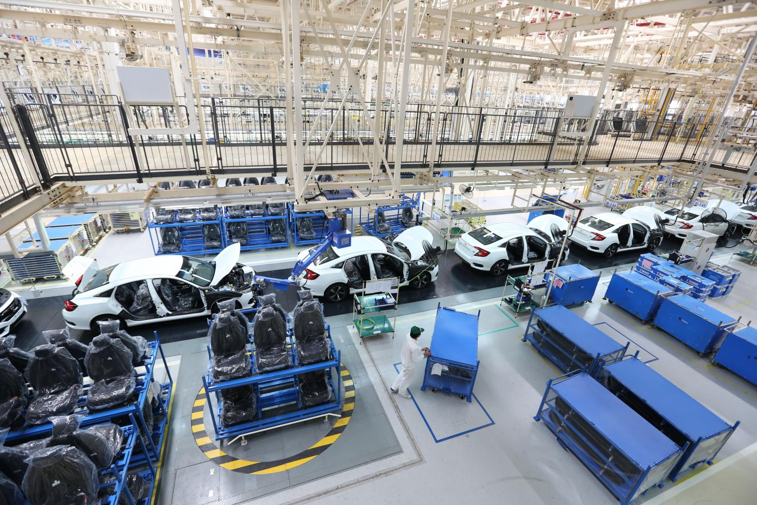 A whole car assembly line for Honda in Prachin Buri. The government is keen to attract more investment projects for EVs and their components.(Photo by Pattanapong Hirunard)