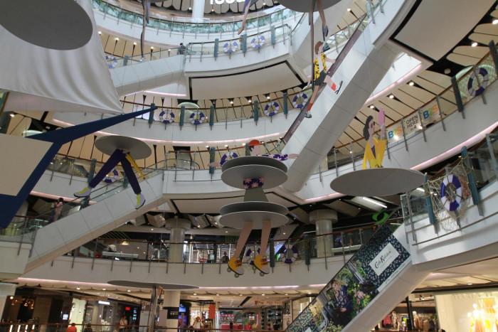 Shop space falls 10% in Bangkok