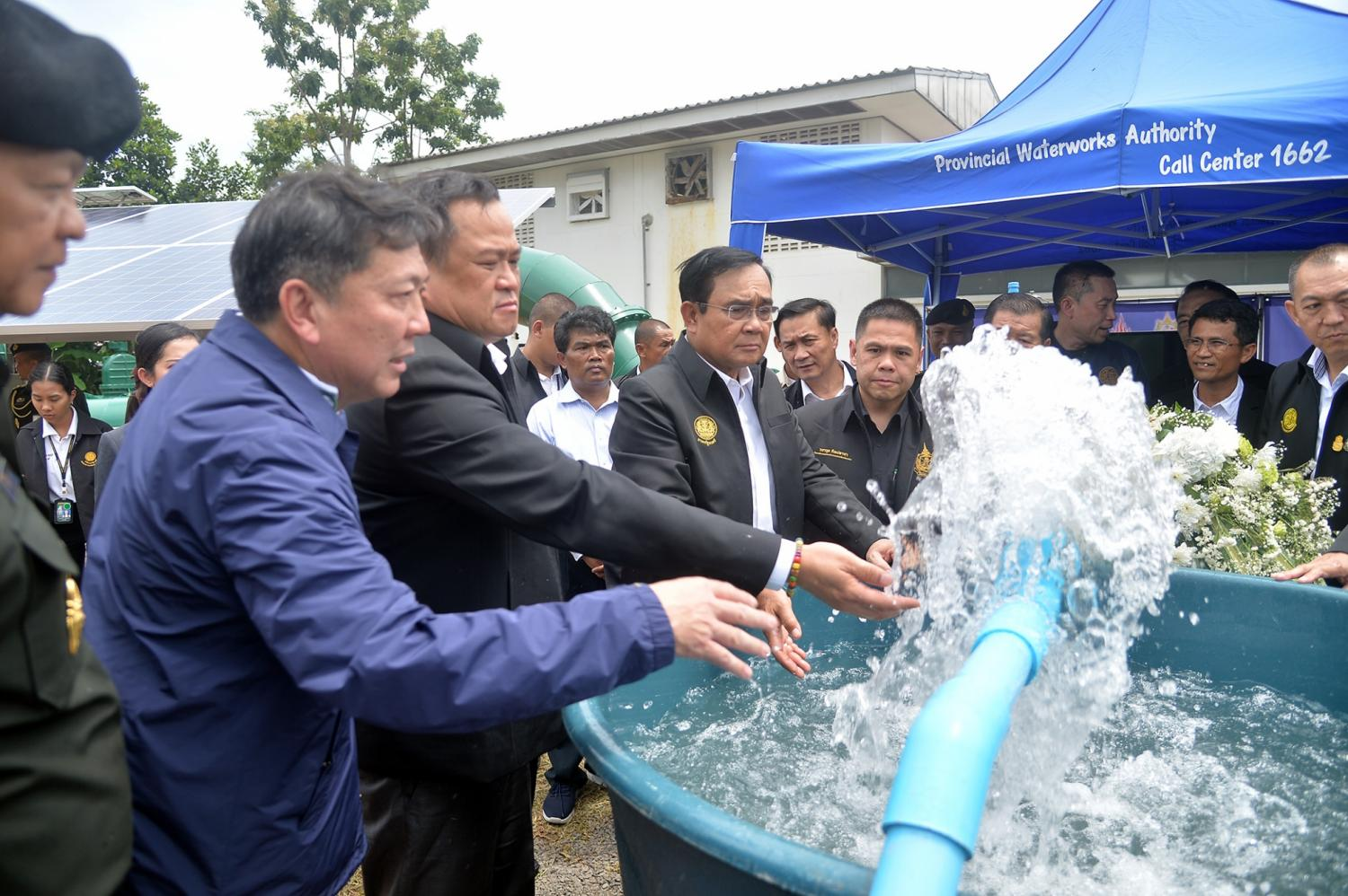 Prayut floats water bill waiver for Surin locals