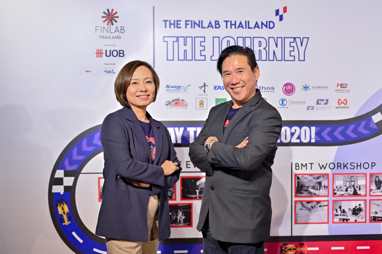 Felix Tan, Co-Head, The FinLab (right), and Piyaporn Ratanaprasartporn, executive director and country head of channels and digitalisation for UOB (Thai), promote a digital scheme for SMEs.