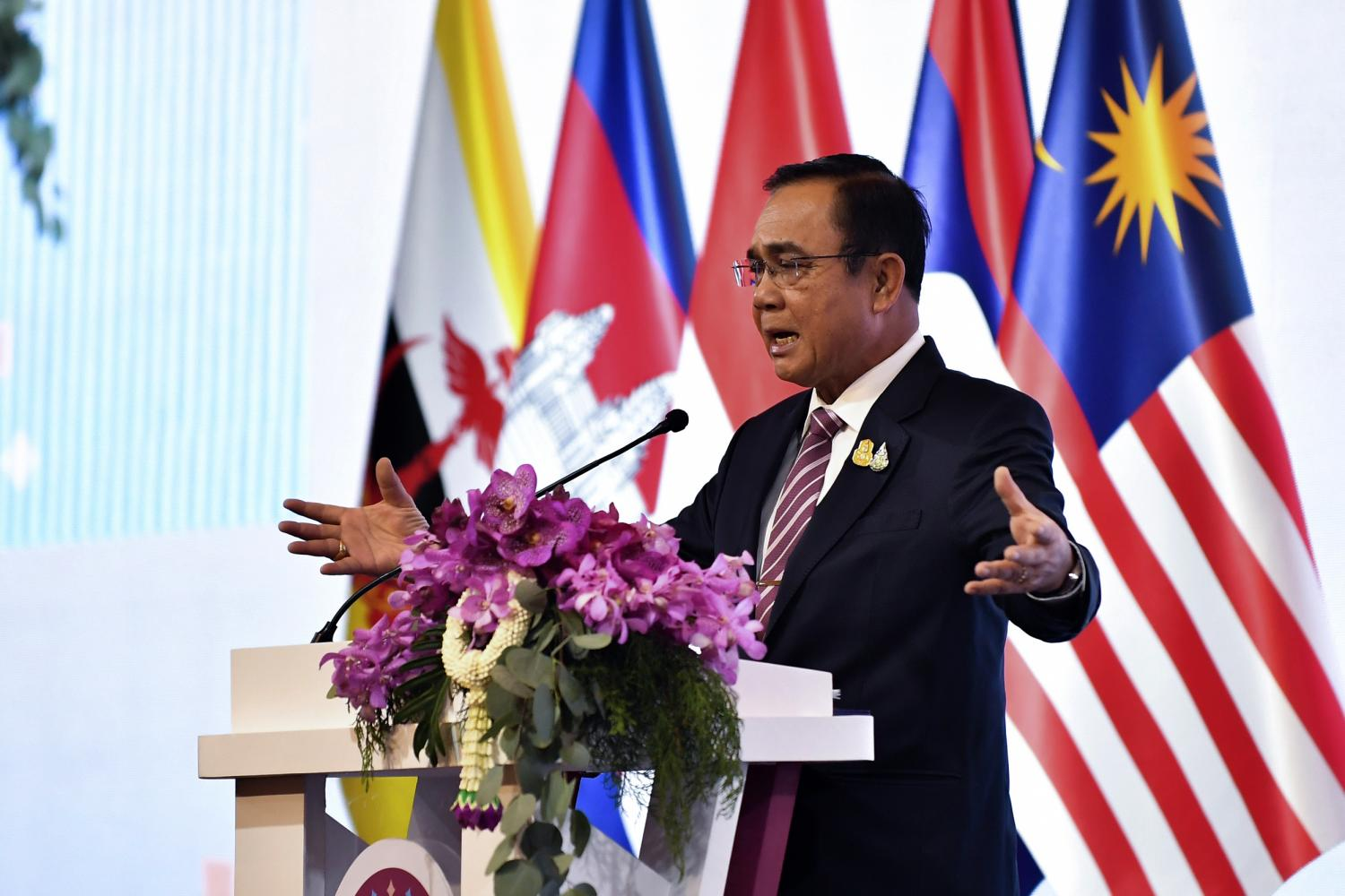 Gen Prayut Chan-o-cha presides over the opening ceremony of the 51st Asean Economic Ministers' Meeting at the Shangri-La Hotel in Bangkok on Friday.