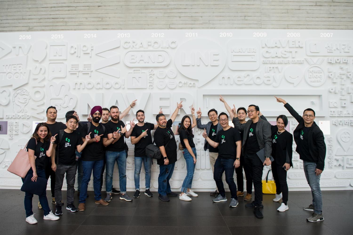 Six Thai startups visited Naver Corporation's headquarters in South Korea as part of the Line ScaleUp programme that aims to bolster the Thai startup scene. Mr Kang is sixth from right.