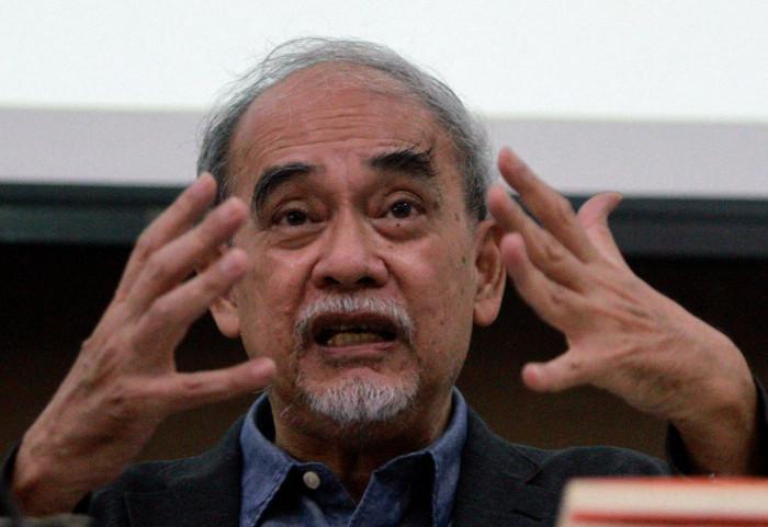 'Political warfare' worries veteran critic