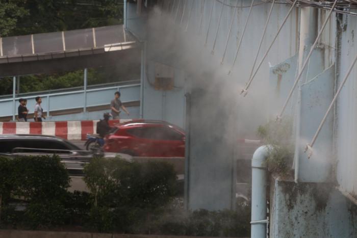 Smog back to hazardous levels in city