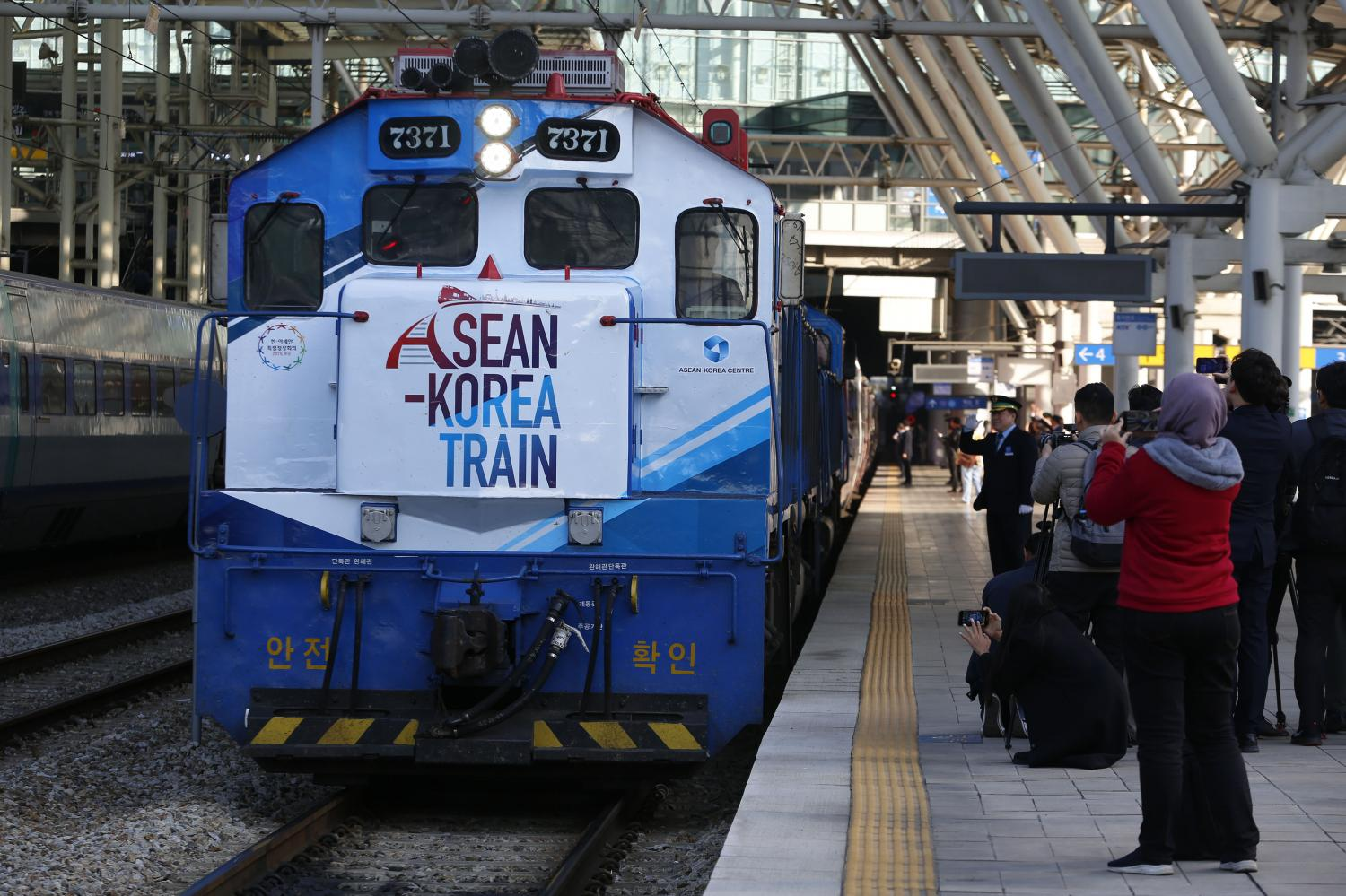 Journalists from around Asia attend the departure of the Asean-Korea Train last month in Seoul.(Photo by Pornprom Satrabhaya)