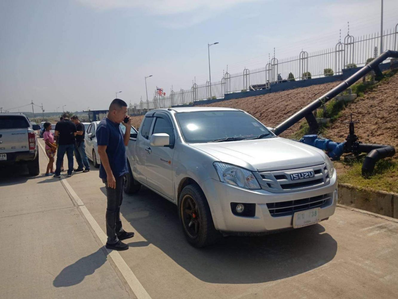 The pickup truck used in the escape of two Thais and an American from the Pattaya Court on Monday is found in Chon Buri yesterday. Chaiyot Pupattanapong