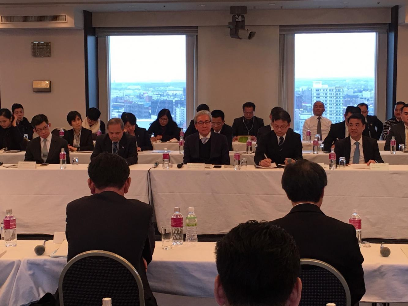 Mr Somkid (centre) met 30 investors in Hokkaido at an event hosted by Jetro and highlighting BoI packages.