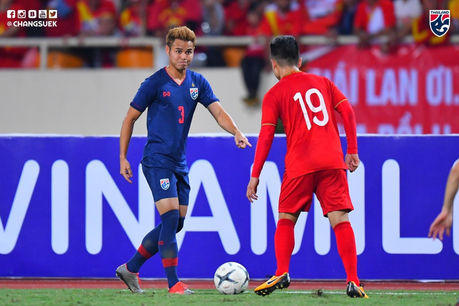 Thailand's Theerathon Bunmathan plays against Vietnam during a World Cup qualifier in Hanoi on Tuesday.