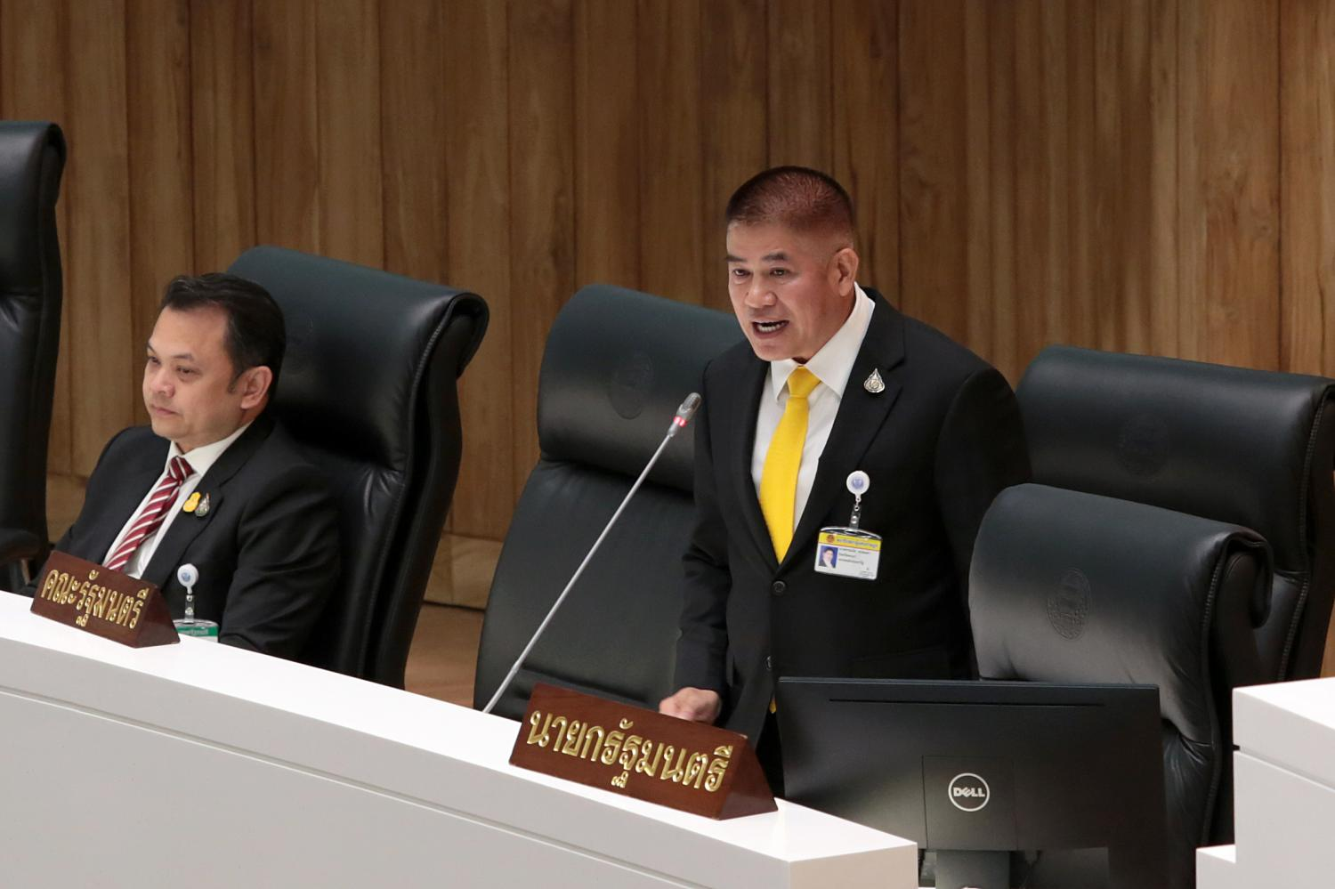 Deputy Agriculture Minister Captain Thamanat Prompow answers an inquiry about his murky past while in Australia raised by a House panel on Sept 11.(Photo by Chanat Katanya)