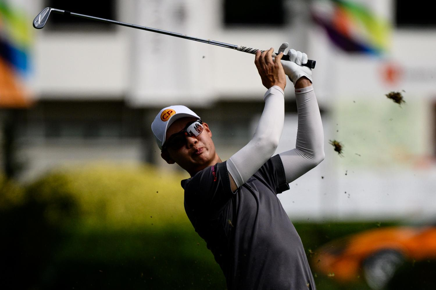 Thailand's Jazz Janewattananond tees off during the third round of the Hong Kong Open on Saturday. (AFP photo)