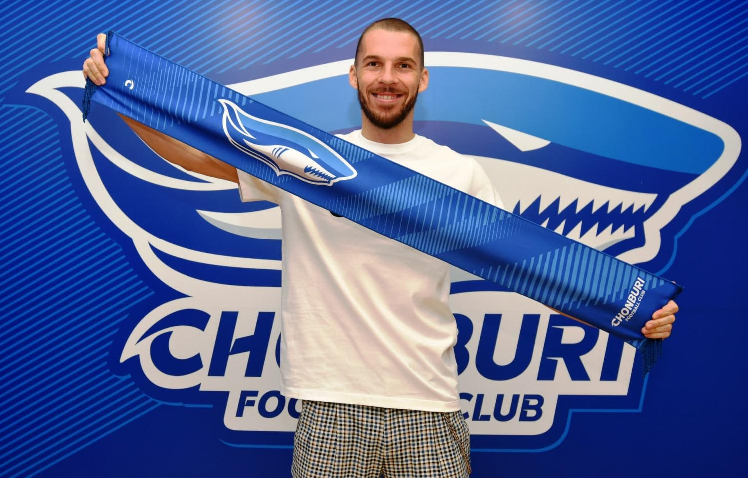 Montenegro's Dragan Boskovic is unveiled as Chonburi player.