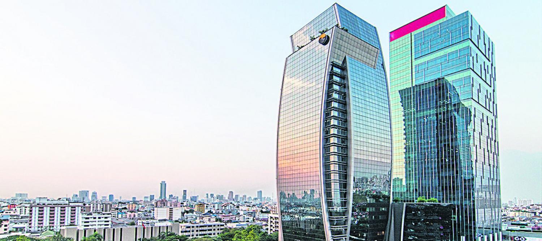 The SET building glistens on Ratchadaphisek Road. The SET index's market capitalisation stood at 16.9 trillion baht on Monday.