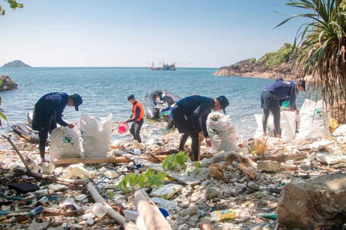 Activists decry plastic ban loopholes