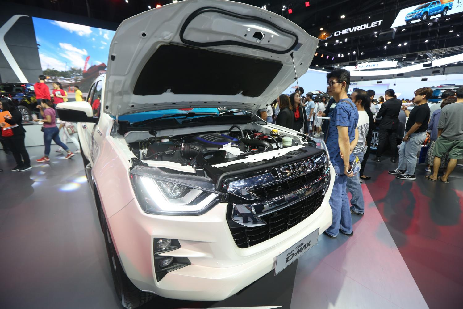 Buyers are taking a look Isuzu pickups at the latest Motor Expo. Isuzu is downbeat on Thailand's car market in 2020, which it sees falling 7.7% to 930,000 units sold. (Varuth Hirunyatheb)