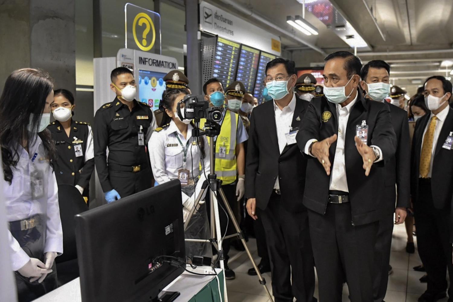Prime Minister Prayut Chan-o-cha visited Suvarnabhumi airport to address the novel coronavirus outbreak, one of the key issues faced by the government.