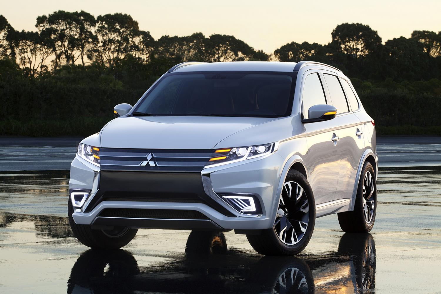 Mitsubishi Outlander PHEV for Europe. This model will be assembled at the Chon Buri plant some time in 2020 and begin selling in January 2021. (Photo of Mitsubishi Motors Corporation)
