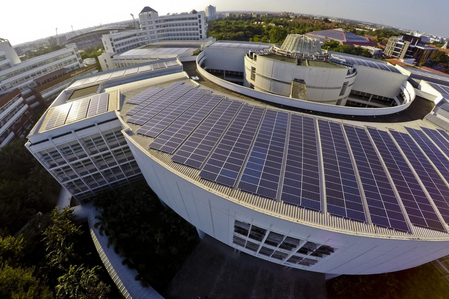 FLARE FOR DESIGN: The solar rooftop at Thammasat University's Rangsit Campus is the largest among all universities in Asia, and ranked fourth in the world in terms of size.