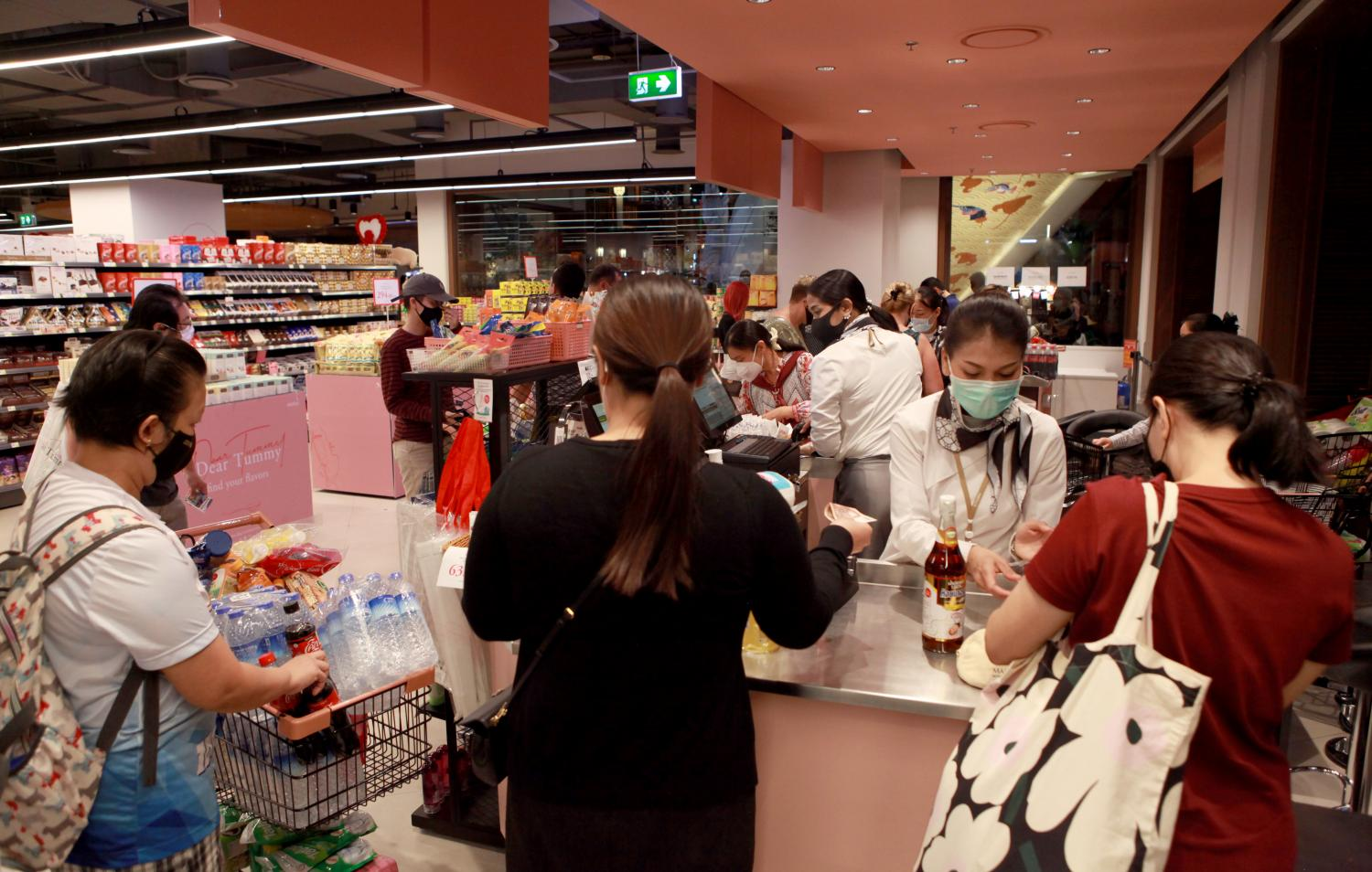 Panic buying at a supermarket in Iconsiam as domestic consumption in February expanded 4.6% year-on-year. (Photo by Arnun Chonmahatrakool)