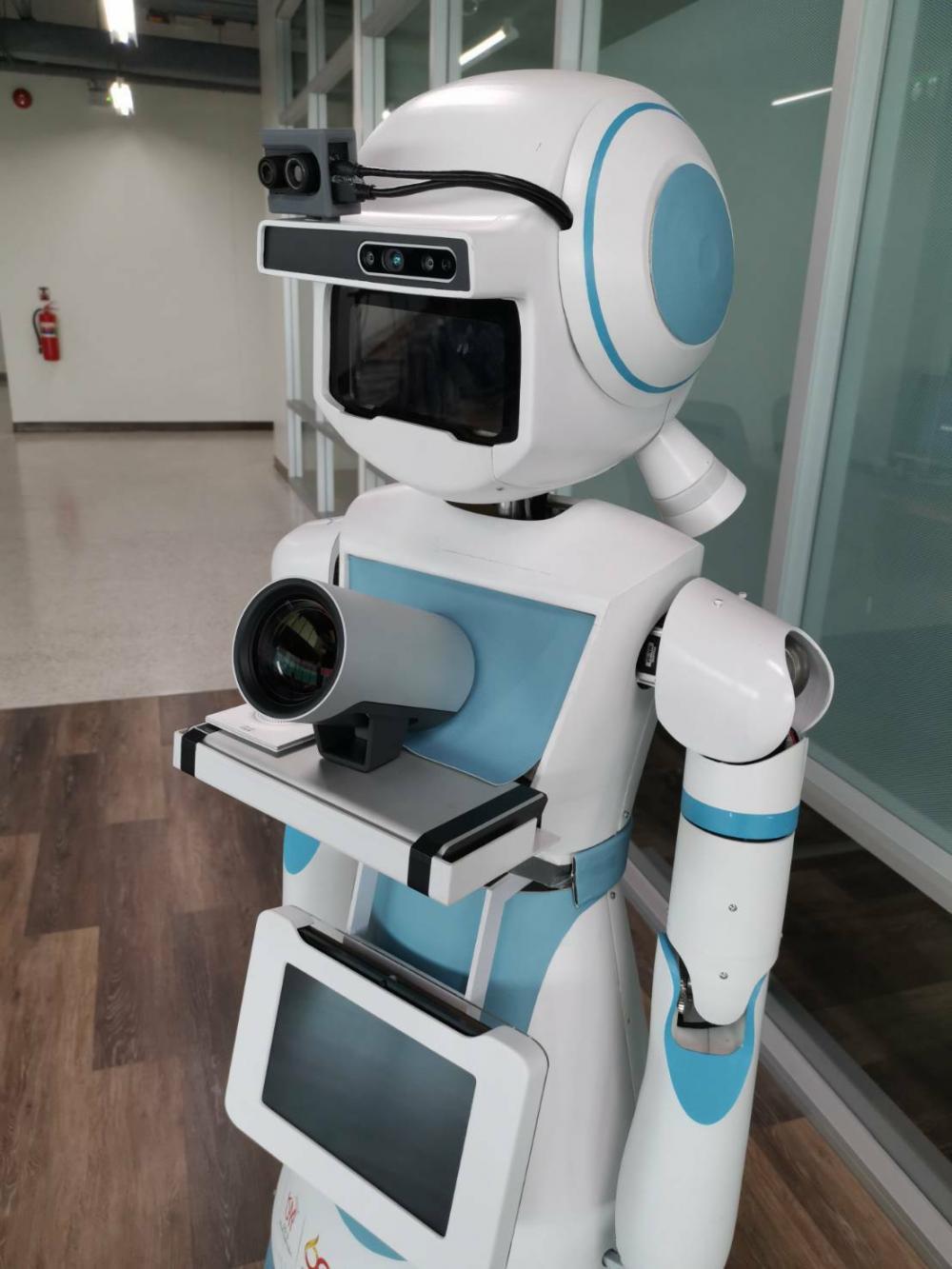 FIBO unveils robots for outbreak