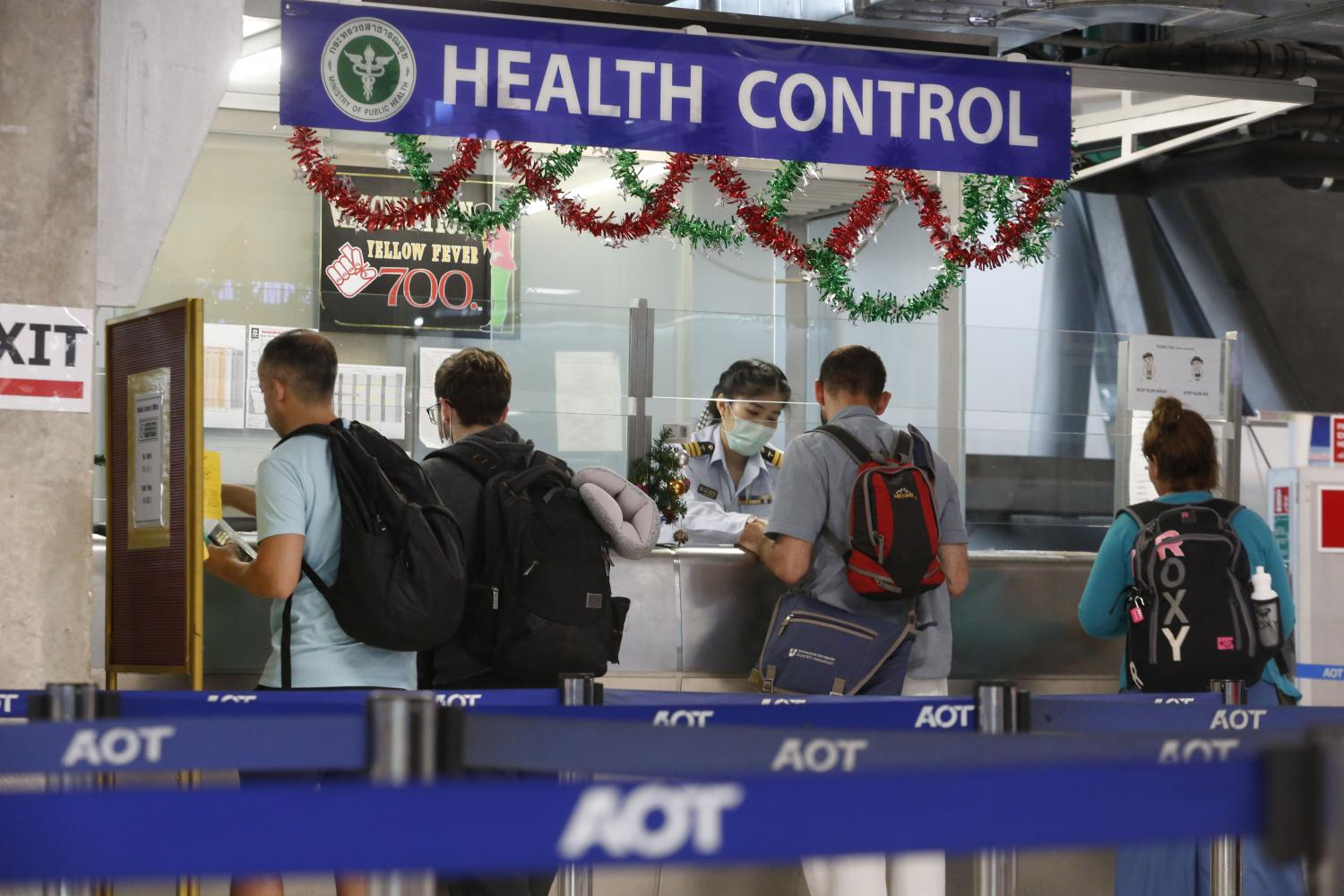 Tourists have to provide a health certificate and strictly comply with screenings and measures from Thai health authorities to gain entry.(Photo by Pornprom Satrabhaya)