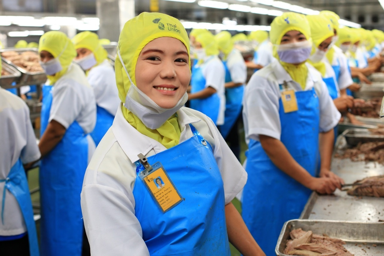 Workers at one of Thai Union's facilities in Samut Sakhon province. Thailand ranks 11th among global food exporters, with a value of roughly US$33.1 billion or 1.05 trillion baht in 2019. BANGKOK POST