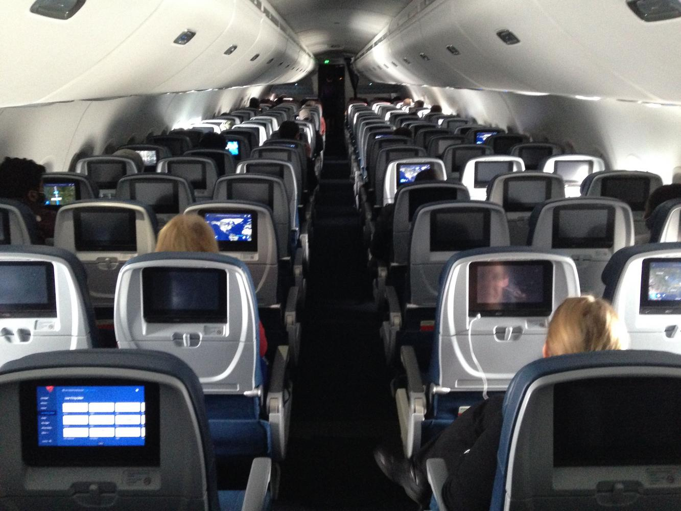 View of the cabin of a Delta flight between Minneapolis and Baltimore on April 25,2020.(AFP photo)