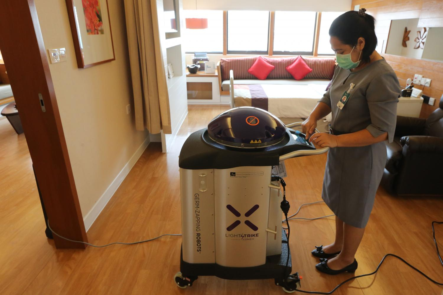 Robots that use UV light to disinfect were introduced to tackle virus and drug-resistant bacteria at Bumrungrad International Hospital during the Covid-19 outbreak. (Photo by Wichan Charoenkiatpakul)