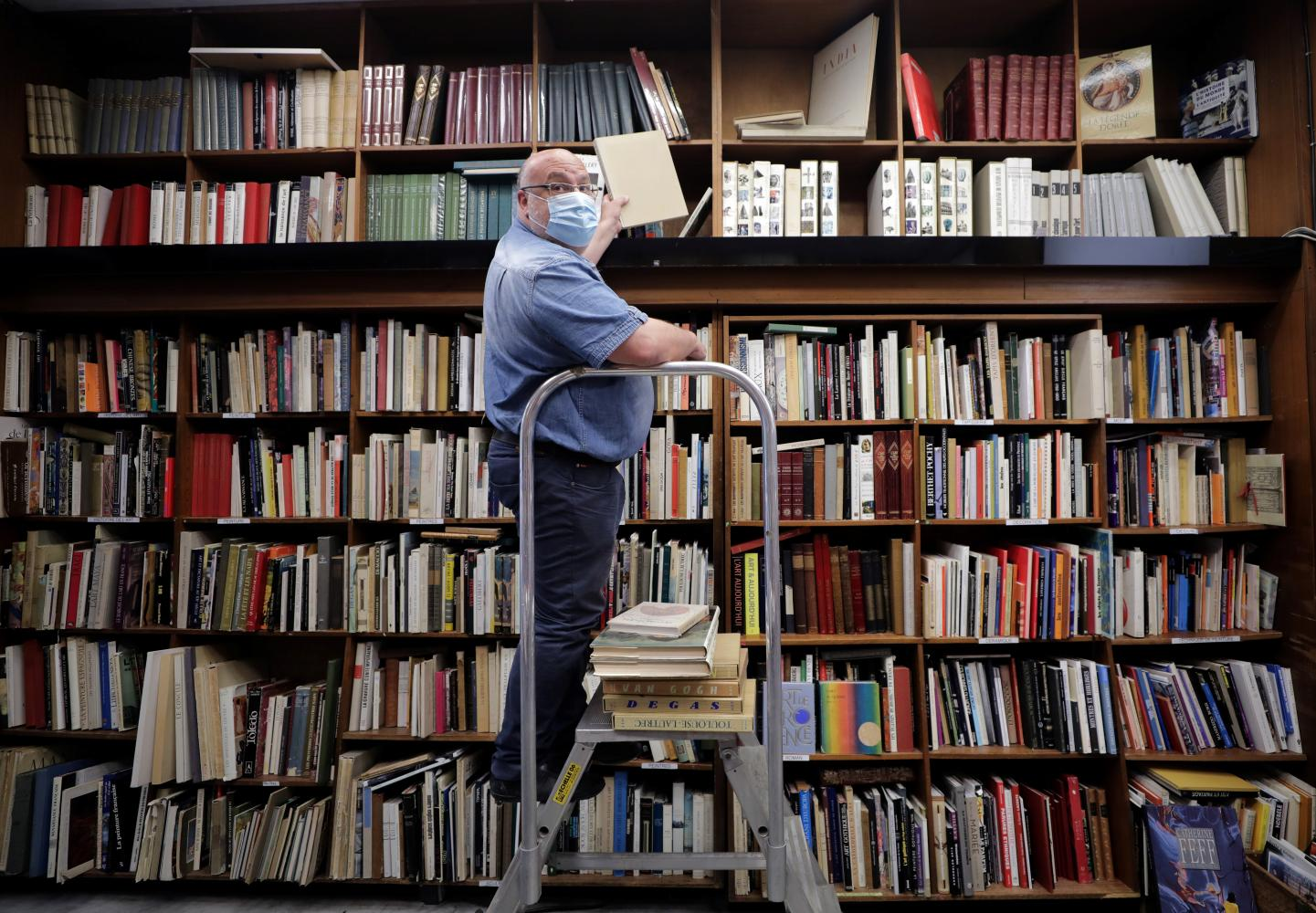 France S Bookstores Fight For Survival After Coronavirus Lockdown
