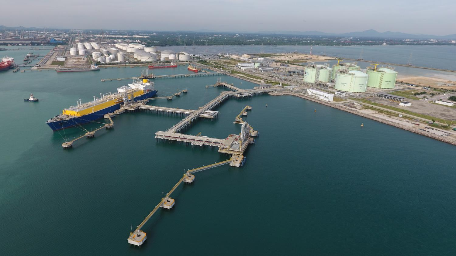 PTT's LNG receiving terminal in Rayong. B.Grimm LNG is the third firm to obtain a LNG shipping licence.