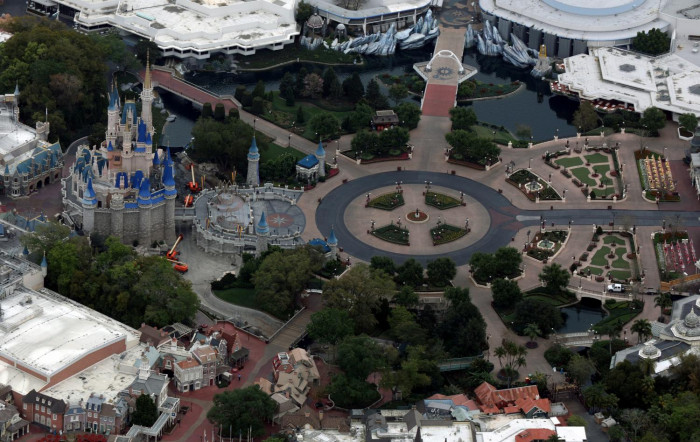 Reopening date set for Disney park