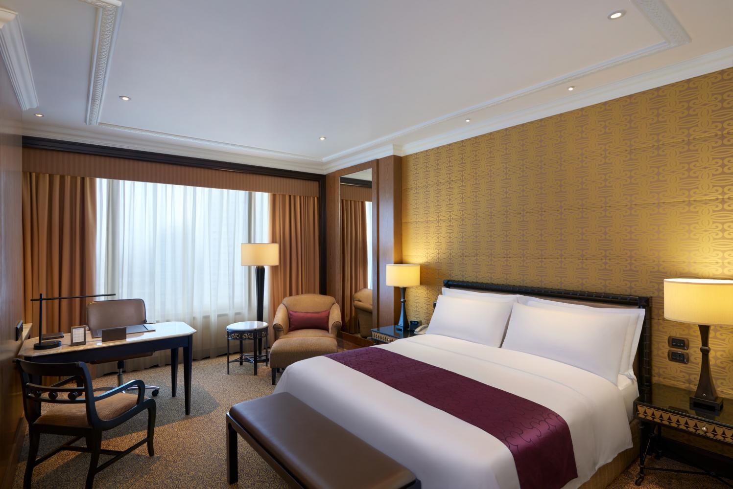 The high-end segment of the hotel market in Bangkok is dominated by four-star properties. The occupancy rate in this segment was already dropping in the second half of 2019.